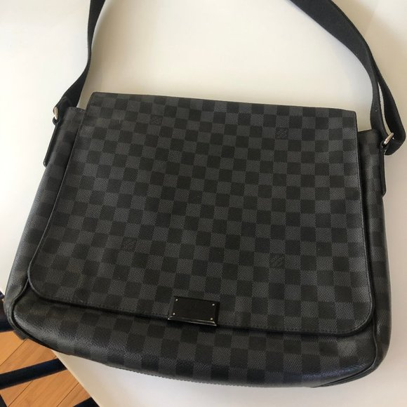 Louis Vuitton Handbags - District Gm Damier Graphite Canvas Messenger Bag